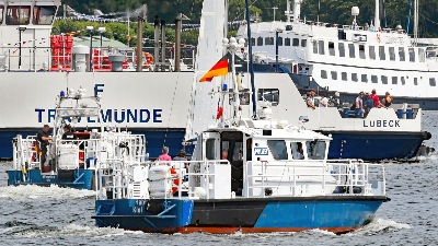 Polizeiboote HABICHT und WAGRIEN am 20.7.2019 in Travemünde