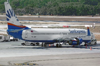 SunExpress B 737-8HC TC-SNP am 05.09.2012 in Antalya, Türkei