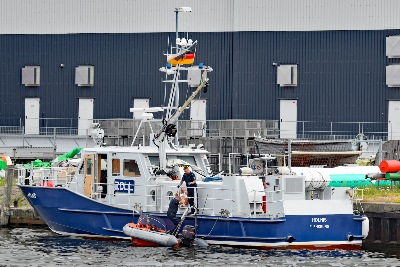 Zollboot HOLNIS am 11.07.2019 in Lübeck